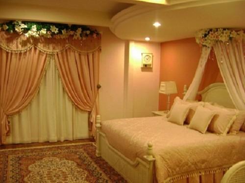Desain dan Warna Cat Kamar Tidur Romantis 3 - 19 Desain Kamar Tidur Suami Istri Sederhana Tapi Romantis