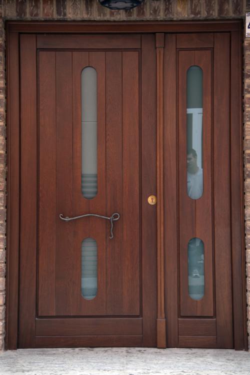Contoh gambar pintu rumah minimalis 2 pintu besar kecil 2018 for Colores para puertas exteriores
