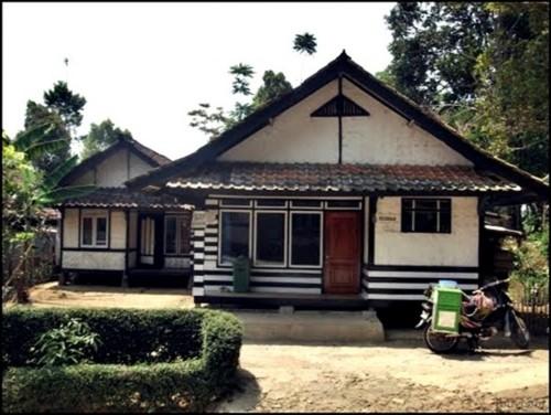 Contoh Rumah Sederhana di Kampung dan Pedesaan Terbaru 6