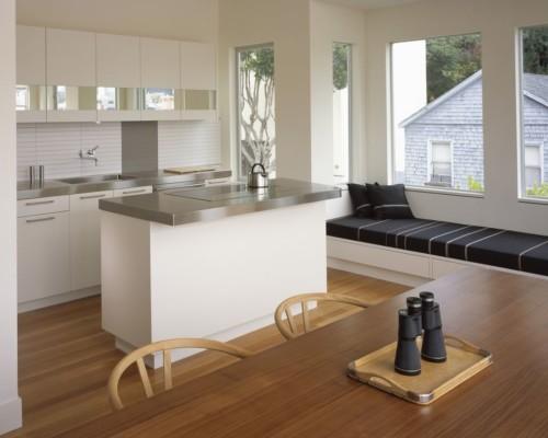 Desain Ruang Keluarga Sekaligus Ruang Makan dan Dapur