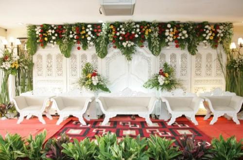 dekorasi pelaminan pengantin minimalis sederhana