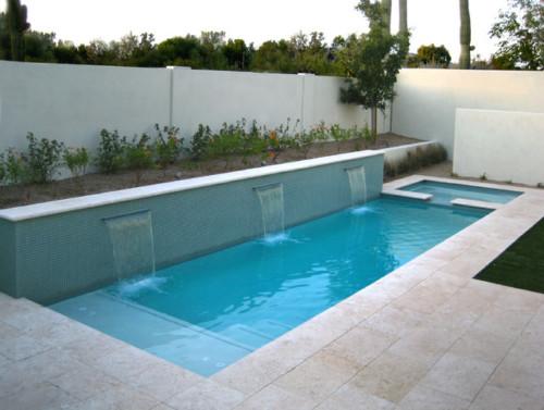 Kolam Renang Minimalis di Belakang Rumah Terbaru