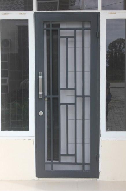 Gambar Teralis Pintu Minimalis Modern